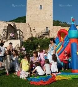 Animazione per bambini e noleggio di giochi gonfiabili Ancona Macerata Pesaro Ascoli Marche Umbria