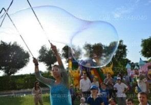 Bolle di sapone per bambini spettacolo di bolle Ancona Macerata Marche